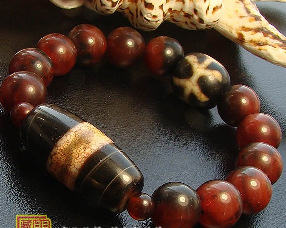 12MM Bloodstone Beads DZI Bead Bracelet