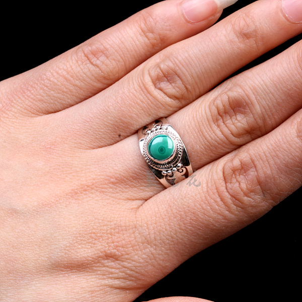 Nepal Handmade 925 Sterling Silver Malachite Ring