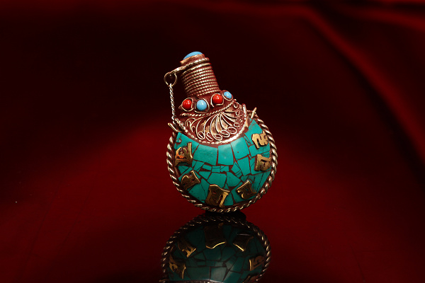 Turquoise Ruby And Sapphire Brass Snuff Bottle Decoration