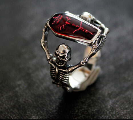 Bloodthirsty Dark Skull 925 Silver Man Ring