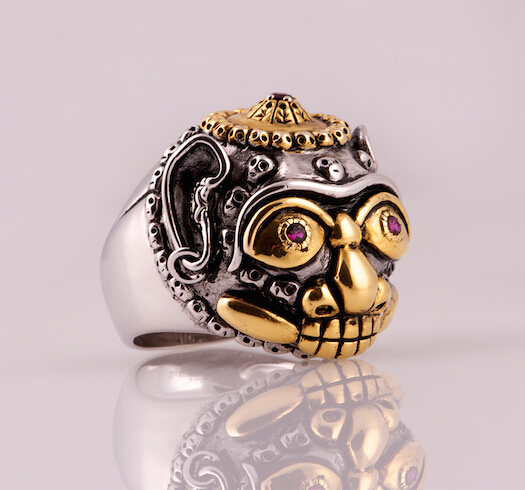 Stylish Skull Silver Personalized Man Ring