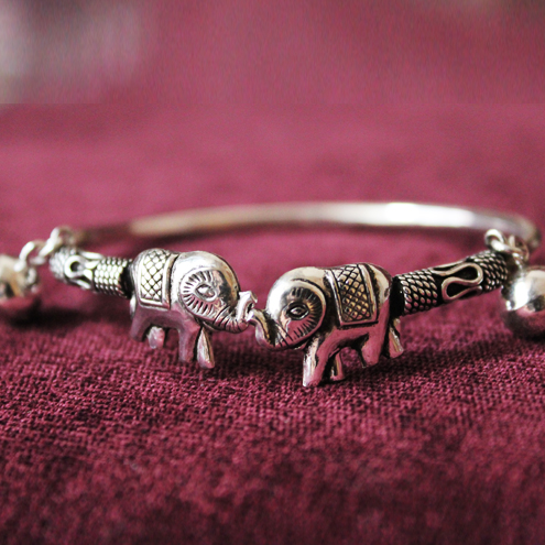 Thailand Couple Elephants Kiss Women Open Bracelet With Bells