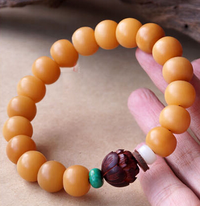 12MM Yellow Bodhi Bracelet With 14MM Lobular Red Sandalwood Totus  Buddhist Stupa