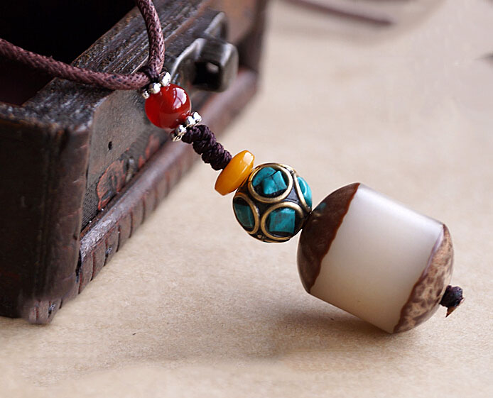 Handmade Exclusive Cylindrical Bodhi Seed With Half Peel Red Agate Turquoise Beads Pendant Necklace