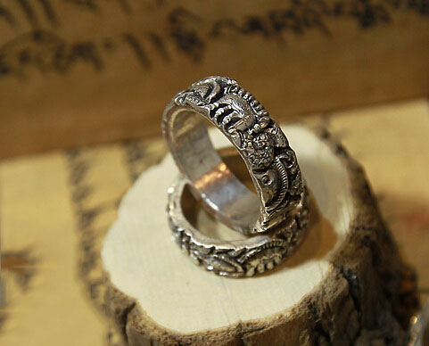 Vintage Style Nepal Handmade Carving 925 Silver Buddhist Guardians Ring