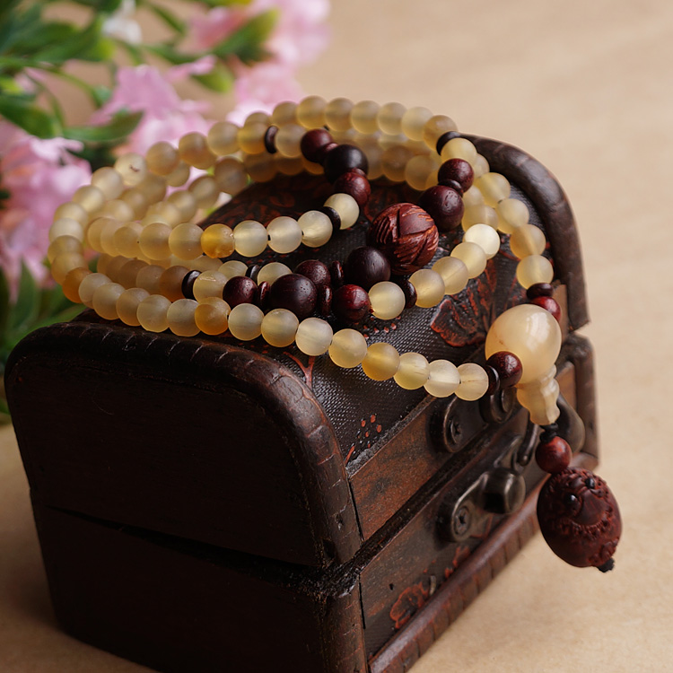 Natural 108 6MM Sheep Horns Lobular Red Sandalwood Brave Troops Prayer Beads Bracelet